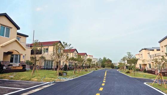 평택 미군기지에서 차로 5분 정도 거리에 있는 미군 대상 렌털하우스인 파인힐타운 전경.