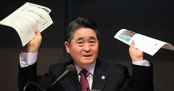 5·18 북한군 배후설 주장하는 지만원. [연합뉴스]