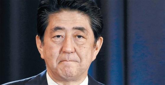 ?일본에서 7월 2일 치러진 도쿄도 의회 선거에서 아베 신조 총리가 이끄는 자민당이 참패하면서 일본 정국이 요동치고 있다. / 사진:연합뉴스