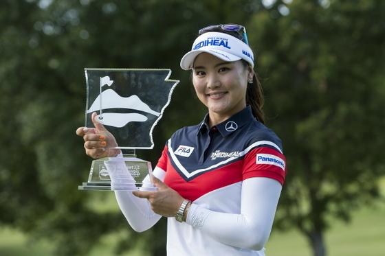 유소연이 26일 LPGA투어 아칸소 챔피언십 우승을 차지하며 새로운 여제 탄생을 알렸다. [LPGA 제공]