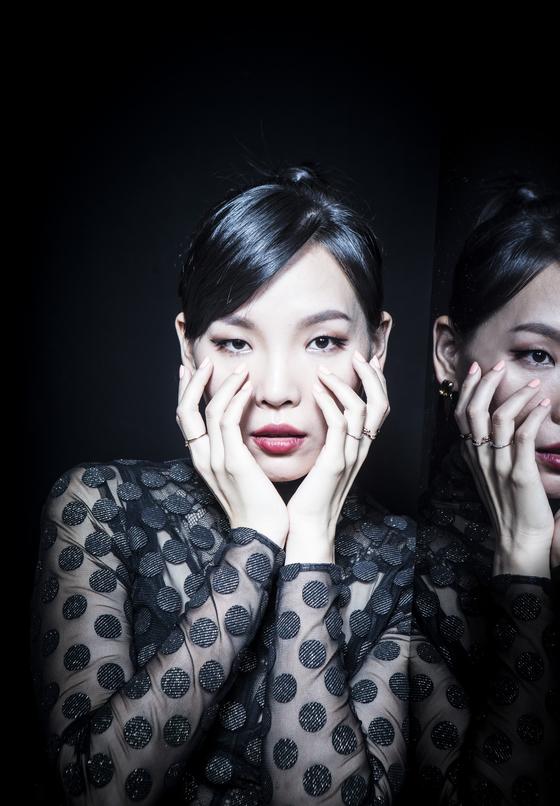 가수 임다미씨가 15일 여의도 메리어트호텔에서 인터뷰를 하고 있다. 권혁재 사진전문기자