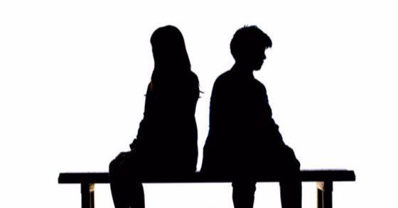 남편의 불륜으로 이혼한 아내에게 남편과 내연녀가 위자료를 지급해야 한다는 법원 판결이 나왔다. [중앙포토]