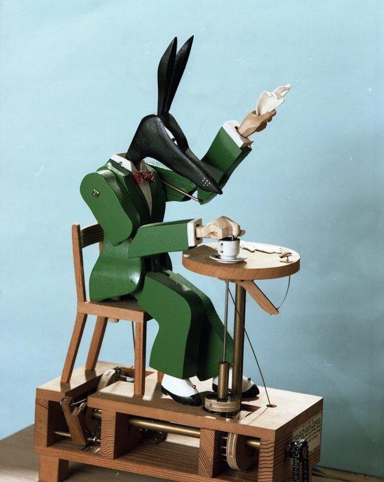 '몽마르트의 아누비스' 폴 스푸너 작품.