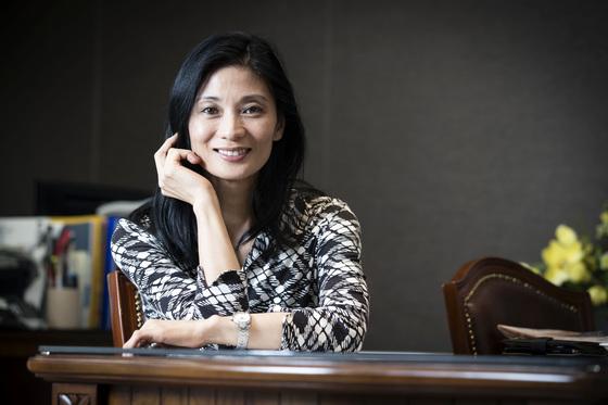 은퇴 후 첫 에세이집을 발간한 강수진 국립발레단 예술감독. 장진영 기자