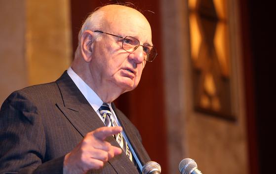 폴 볼커 전 미국 Fed 의장.