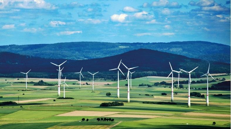 한국 사회의 투자와 노력 여하에 따라 2050년에는 한국 사회가 필요한 에너지의 전부를 재생에너지로 보급할 수도 있다는 주장을 담은 세계자연기금(WWF)의 보고서가 23일 공개됐다. [사진 세계자연기금]