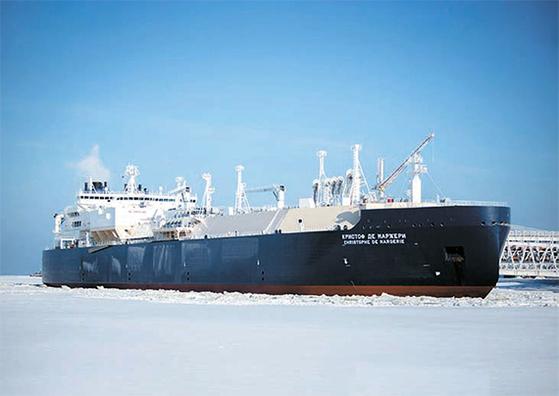 쇄빙선 도움 없이 북극 항로를 처음으로 통과한 수송선 크리스토프 드 마르주리호. [EPA=연합뉴스]