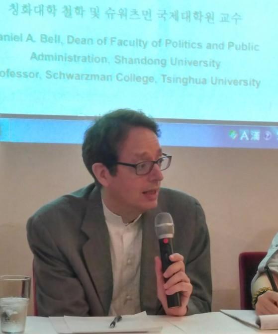 다니엘 벨 교수. 중국이 현능주의 정치로 이뤄져 있다고 설명한다. [출처: 차이나랩]