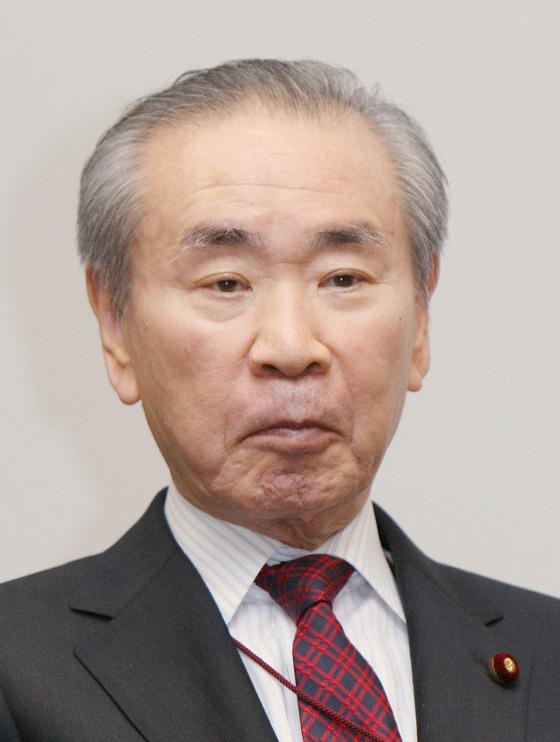 93년 비자민 연립정권인 호소카와 내각 탄생에 결정적 기여를 하고 이듬해 바통을 이어받은 하타 쓰토무 전 총리. [지지통신]