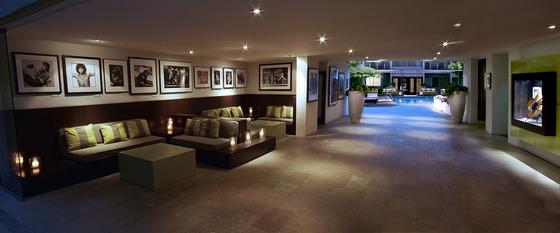 미국 웨스트할리우드 최고의 럭셔리 호텔로 꼽히는 선셋 마퀴. 세련된 분위기와 완벽한 사생활 보장으로 예부터 셀럽들이 단골처럼 이용한다. [사진 선셋 마퀴]