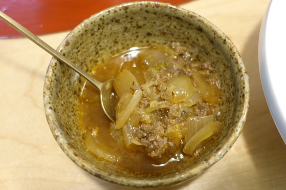 백화반 비비는 양념인 맛간장.