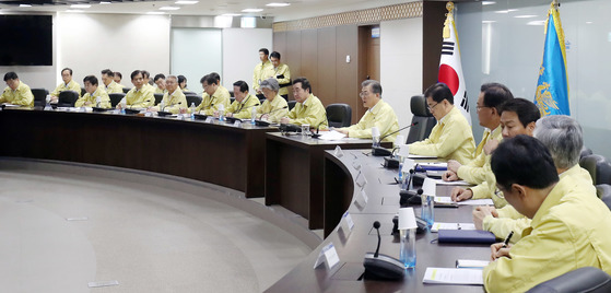 지난 21일 문재인 대통령이 을지훈련 시작일을 맞아 을지 국가안전보장회의(NSC)를 주재하고 있는 모습. [사진 청와대]