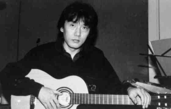 1979년 '행복한 사람'으로 데뷔해 한국 포크록의 새로운 장을 열었던 가수 조동진. [중앙포토]
