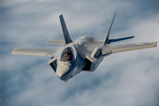 한국군이 도입을 추진중인 차세대 스텔스 전투기 F-35A[중알포토]
