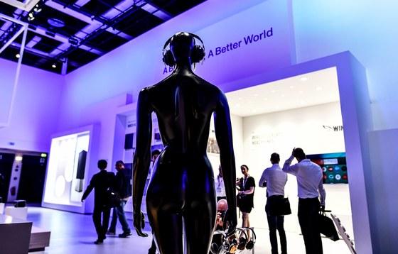 글로벌 가전 기업들이 하만·뱅앤올룹슨과 협업해 오디오 산업에서 미래 먹거리를 찾고 있다. 사진은 독일 베를린 국제가전박람회 파나소닉 섹션. [연합뉴스]