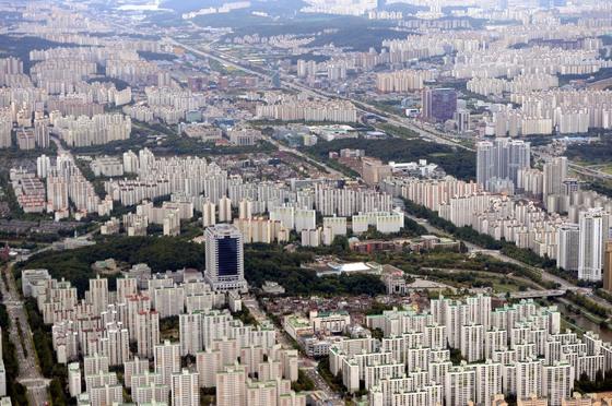 성남시 분당구의 아파트 단지 전경. [청와대사진기자단]
