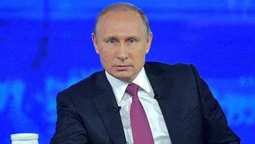 '국민과의 대화'서 질문에 답하는 푸틴 대통령 [리아노보스티=연합뉴스]