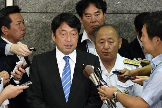 오노데라 이쓰노리 일본 방위상이 기자들의 질문에 답하고 있다. [도쿄 EPA=연합뉴스]