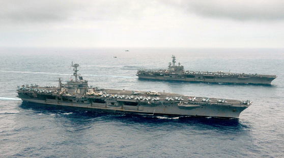 남중국해와 인접한 필리핀 동쪽 해역에서 공동 작전을 펼치고 있는 미 항공모함. [사진제공=미 해군 홈페이지]