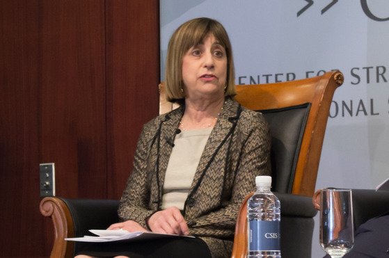 웬디 커틀러 전 미국 무역대표부(USTR) 부대표가 5일 미국 워싱턴에서 열린 한국국제교류재단·미국 전략국제연구소(CSIS) 공동주최 포럼에서 토론하고 있다. 사진=이광조 기자