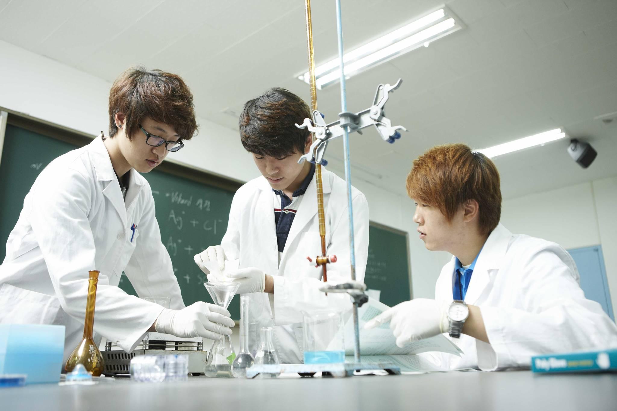 수업 중인 순천향대 화학과 학생들. [사진 순천향대]