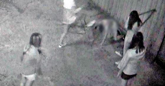 부산 여중생 폭행사건 폐쇄회로(CC)TV. [중앙포토]