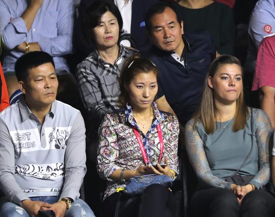 쿠드롱의 부인 여수경씨(앞줄 가운데).