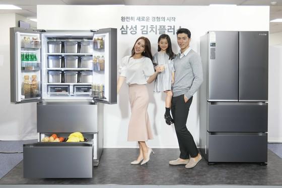 삼성전자가 13일 선보인 신개념 김치냉장고 '김치플러스'. [사진 삼성전자]