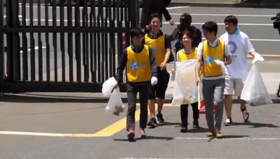 일본에서 시작된 '쓰레기 줍기 스포츠'. 쓰레기 줍기를 스포츠 경기처럼 겨루는 대회다.