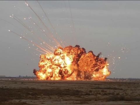 러시아 정부가 공개했다고 알려진 '모든 폭탄의 아버지' 실험 장면. [사진 비즈니스인사이더]