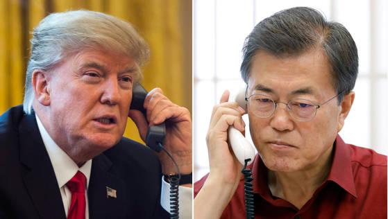 문재인 대통령이 17일 오전 청와대에서 도널드 트럼프 미국 대통령과 통화를 하고 있다. [사진 청와대 청와대ㆍ연합뉴스]