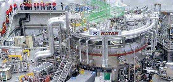 대전 국가핵융합연구소의 한국형 핵융합장치 KSTAR. [프리랜서 김성태]