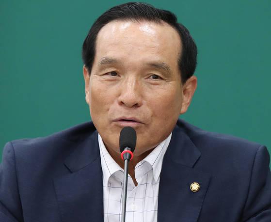 국민의당 김중로 의원이 지난달 10일 오전 국회에서 열린 원내정책회의에서 발언하고 있다. [연합뉴스]
