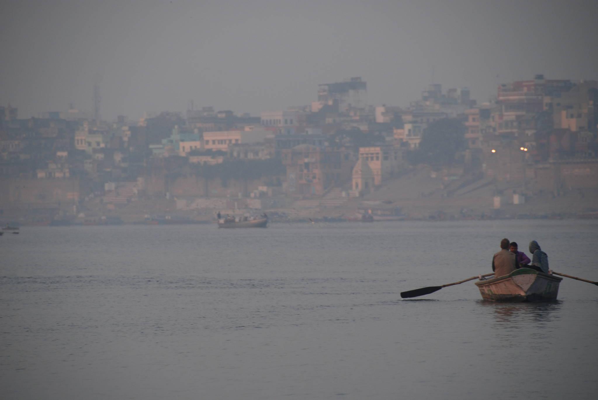 인도의 젖줄 갠지스를 끼고 있는 오래된 도시 바라나시는 한국의 경주에 해당한다. 백성호 기자