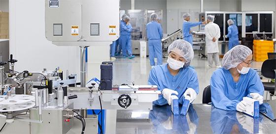 안동에 있는 SK케미칼 백신공장 'L하우스' . 세포 배양 방식이 개발되면서 대형 세포 배양기를 통해 제품을 생산하는 사례가 주목받고 있다. [사진 SK케미칼]