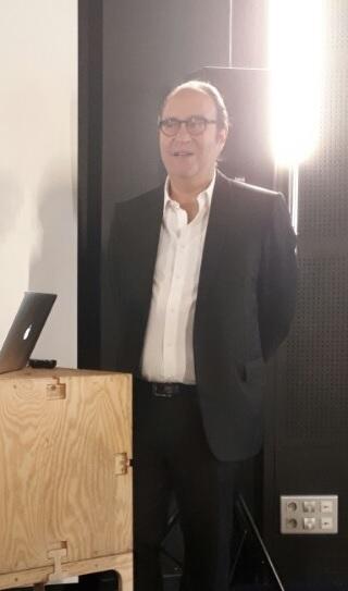 파리의 IT 인재 교육 기관 '에꼴42'의 설립자 자비에 니엘 프리모바일 회장. [김도년 기자]