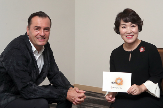 '배양숙의 Q'가 서울 삼성동 코엑스에서 건축가 패트릭 슈마허를 만났다. 최정동 기자
