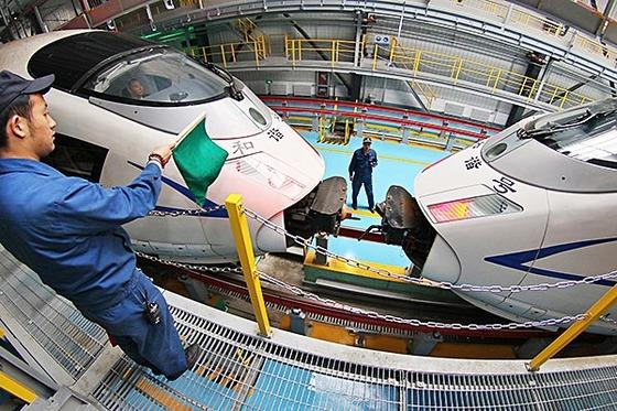 지난 2010년 중국 남차가 프랑스와 일본, 독일과 합작해 고속철 '허셰(和諧)호'를 개발했다. [사진 인민망]