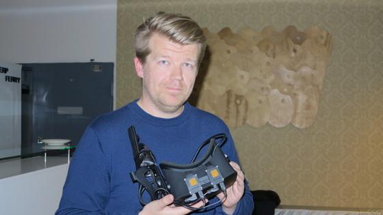 사람 육안에 가까운 초고해상도의 가상현실(VR) 디스플레이 장비를 공개해 화제가 됐던 '바르요(Varjo)' 유시 매키넨 마케팅 책임자는 노키아 출신이다.         [사진 정경민 기자]