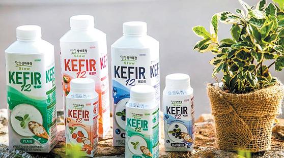 상하목장이 장 건강에 도움이 되는 '케피어12'를 출시했다. 12종의 케피어 유산균이 함유된 발효유로 세 가지맛, 9종의 제품을 선보였다. [사진·매일유업]