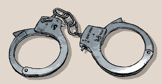 돈 문제로 다투다 친형을 흉기로 찌른 동생이 체포됐다. [중앙포토]