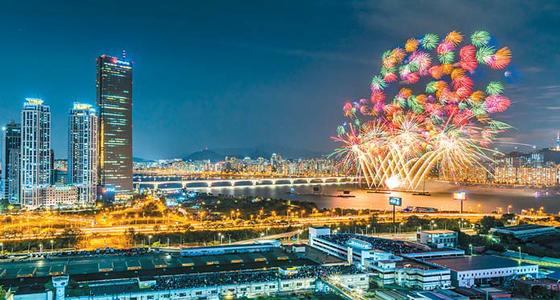 서울 불꽃놀이 자료사진. [중앙포토]