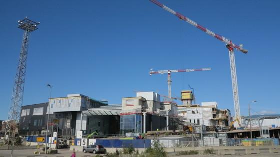 22~37층짜리 8개의 고층건물로 구성될 '칼라사타마 센터' 공사 현장.        [사진 정경민 기자]