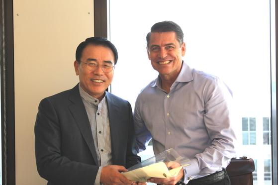 조용병 신한금융그룹 회장, 아마존 방문