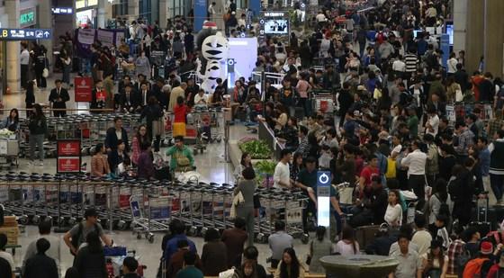 지난 추석 연휴에 북새통을 이룬 인천국제공항. [중앙포토]
