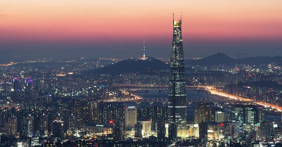 남한산성에서 본 서울의 야경. [중앙포토]