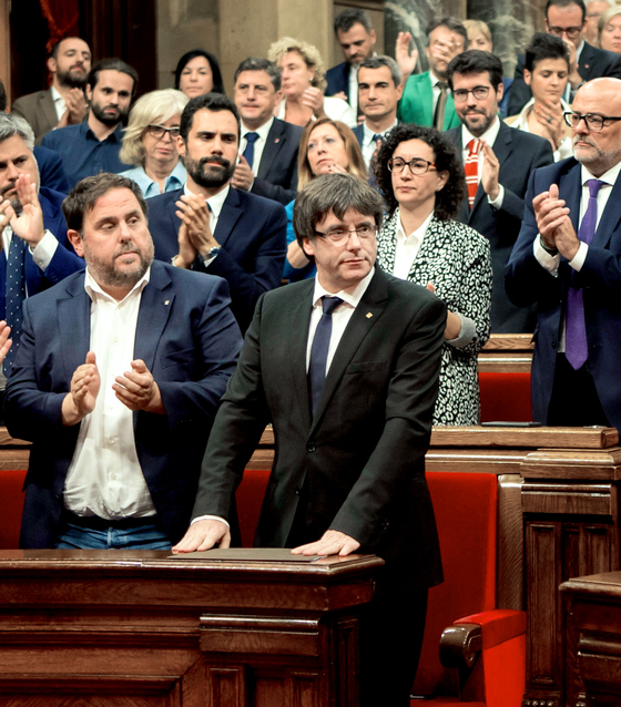 카탈루냐 독립절차 잠정 중단