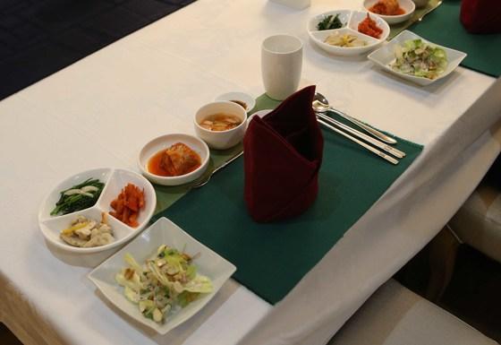 12일 서울 세종로 정부서울청사 구내식당에 마련된 행정안전위원회 국정감사 의원들의 점심 식탁. 오종택 기자