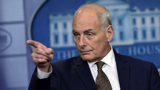 12일(현지시간) 오후 백악관 브리핑에 나온 존 켈리 백악관 비서실장이 북핵 문제의 '외교적 해결'을 강조했다.