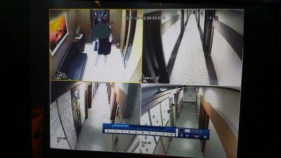 A씨가 임시숙소에 도착해 방을 확인 한 뒤 엘리베이터 앞에서 경찰들을 배웅하듯 서 있다(왼쪽 위). 나머지는 숙소 내부 모습. [폐쇄회로TV 캡쳐 창원중부경찰서]
